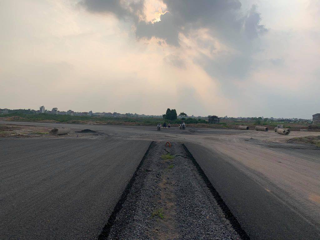 Trục đường 30 m dự án nối ra đường vành đai 3.5