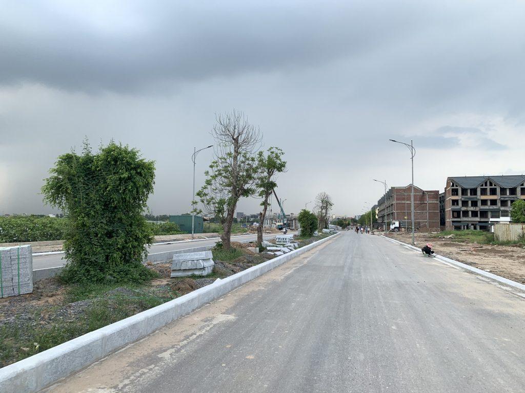 đường 33 m Kim Chung Di Trạch