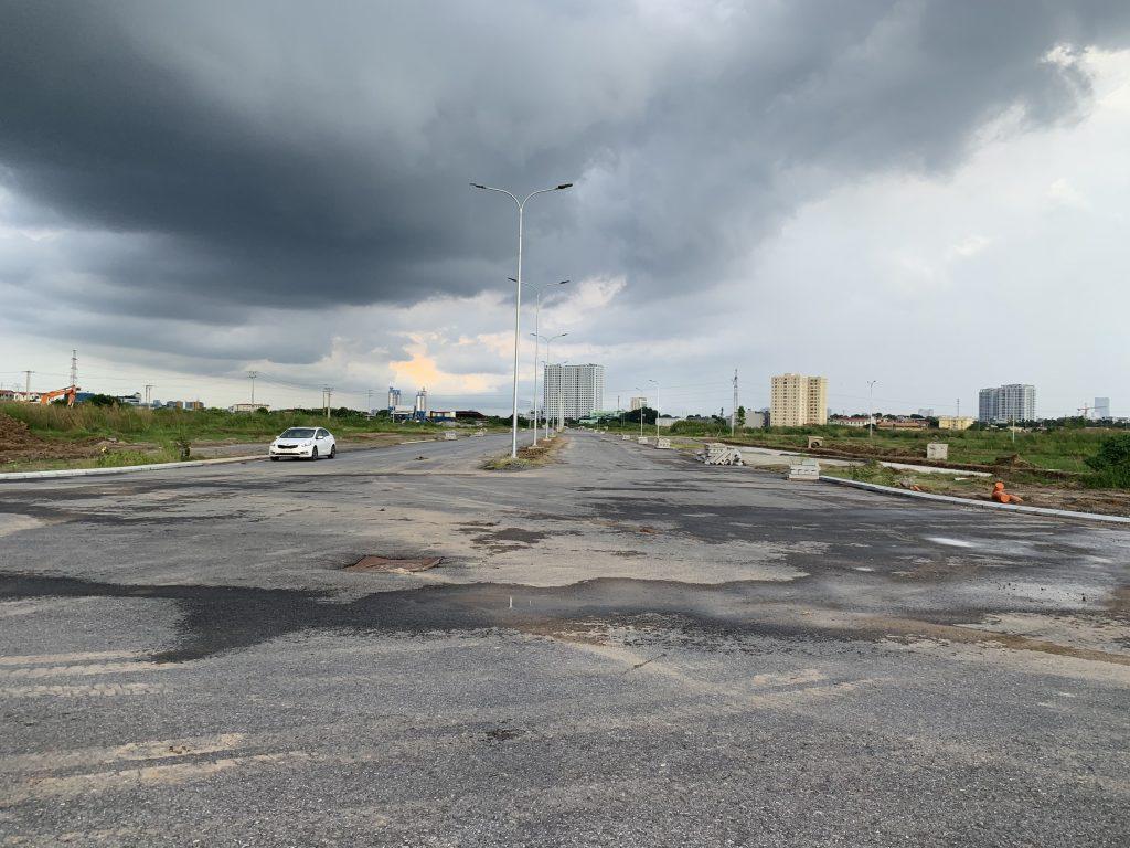 Trục đường từ đường vành đai 3.5 vào hồ dự án.